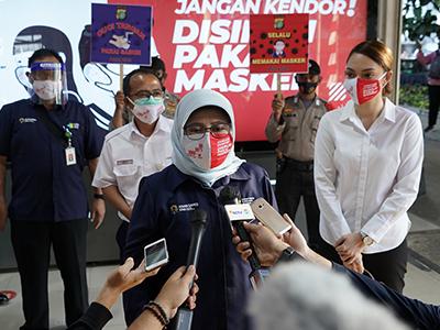 Gerakan Disiplin Pakai Masker: Kemenkes Bagikan 1 Juta Masker dan Edukasi ke Masyarakat