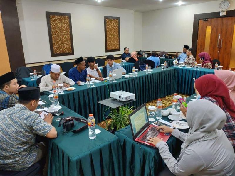 Pendampingan Review Media KIE Dengan Yayasan Jannur