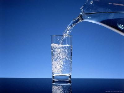 Berbagai Manfaat Minum Air Putih Setelah Bangun Tidur